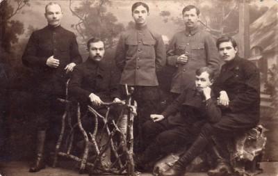 Чембарцы или люди как-то связанные с нашим городом и Чембарским уездом - Соколов СИ П Гусев и ещё кто-то 1918 г.jpg